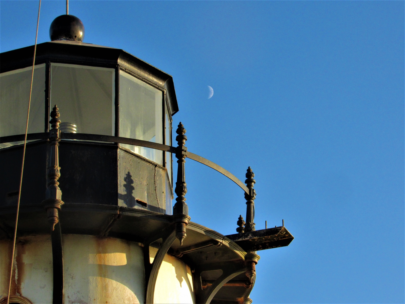 Lighthouse-and-moon
