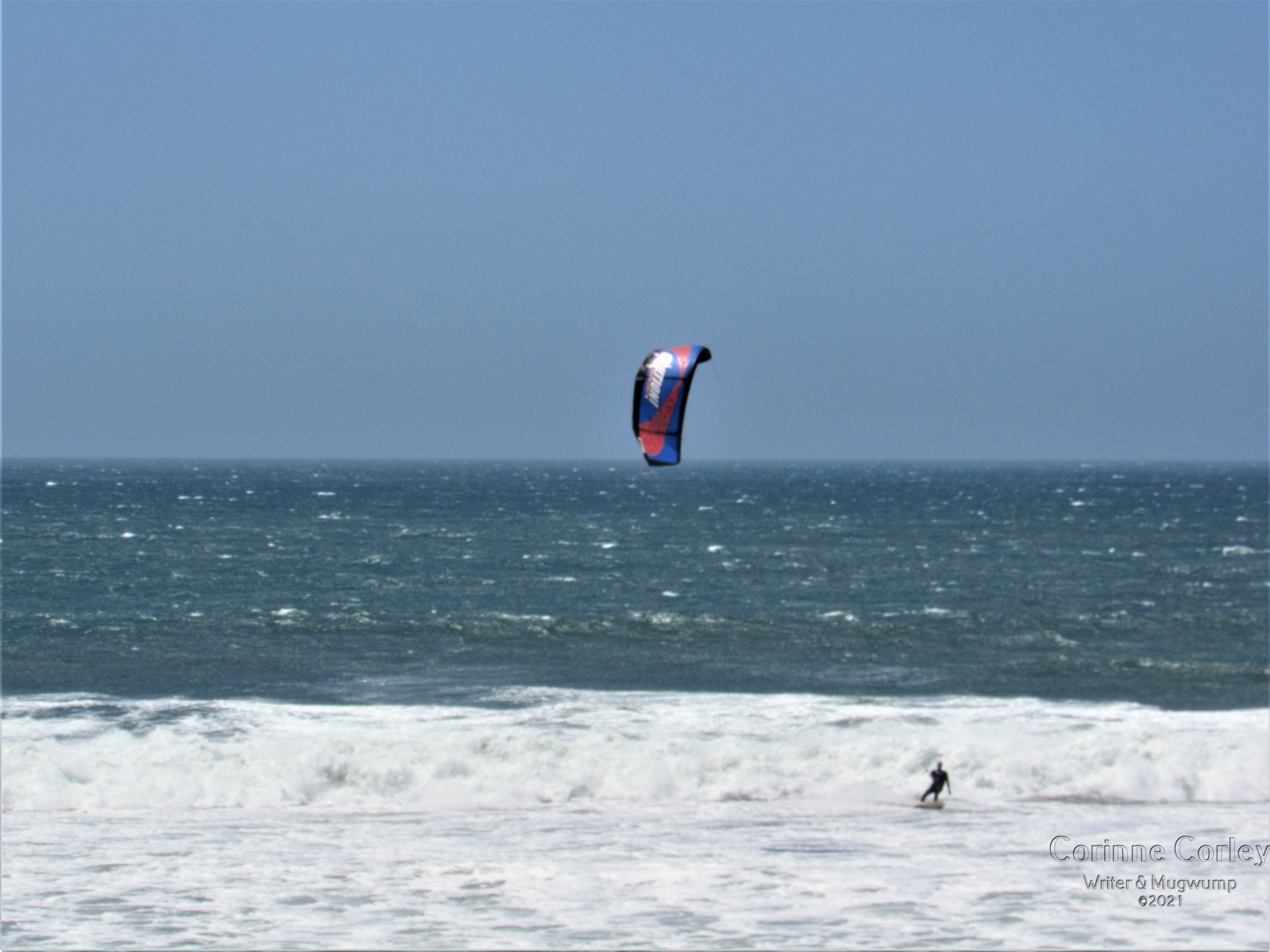 Paraglider-in-the-surf