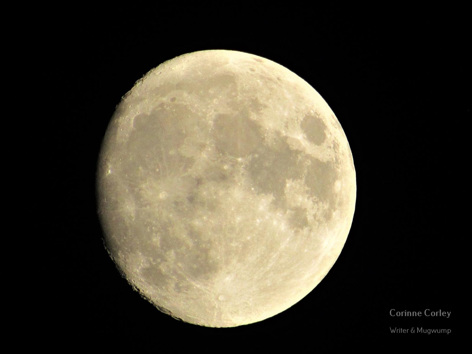 Delta-moon-3