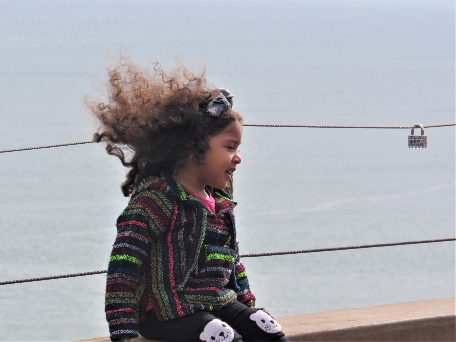 Little-girl-and-the-sea-2