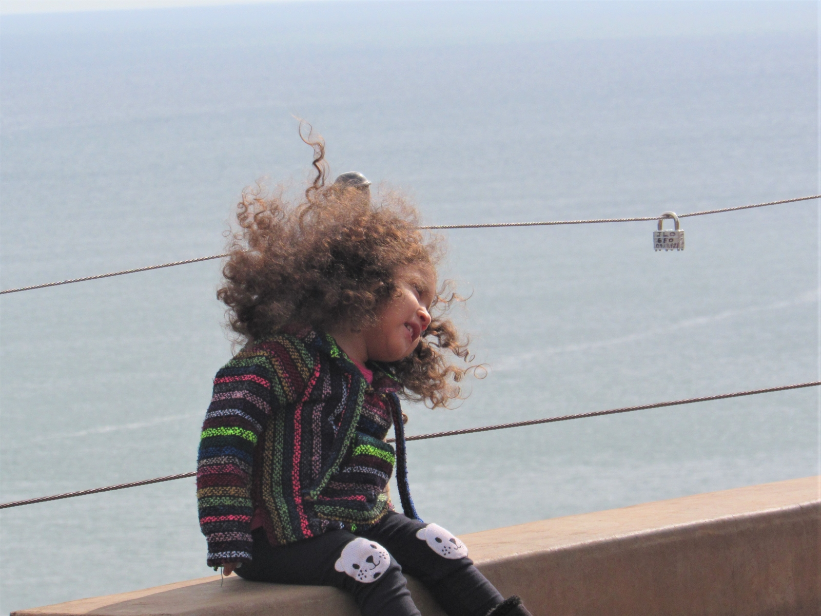 Little-girl-and-the-sea-3