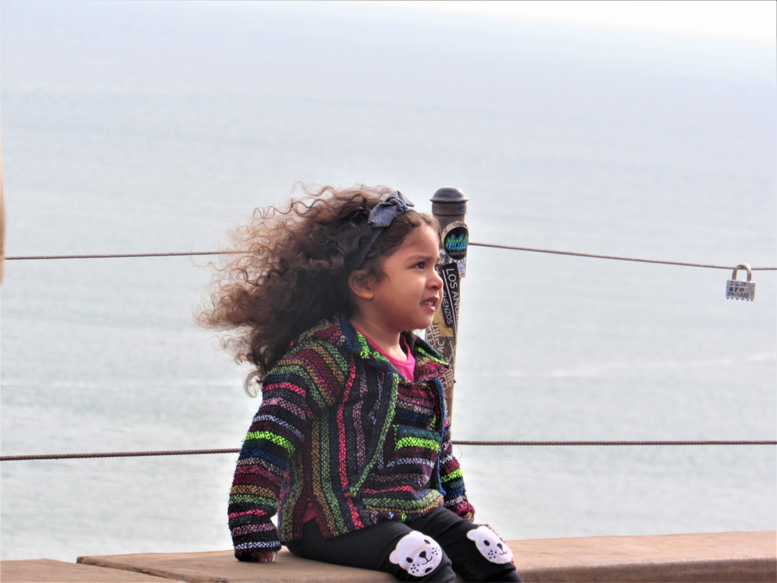 Little-girl-and-the-sea